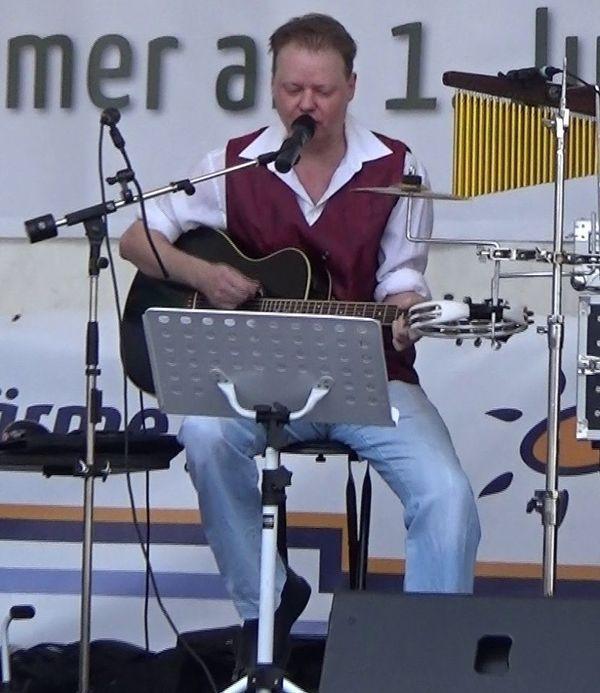 Livemusik und Discothek buchen On-Stage