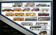 19 Omnibus- Modellautos M 1