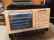 Tektronix TDS7104 Digital Phosphor Oscilloscope