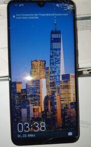 Huawei P30 lite mit Displayschaden