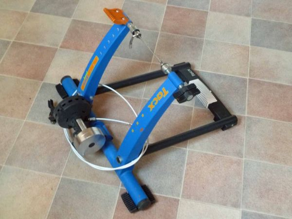 TACX CYCLEFORCE ONE Rennrad Rollentrainer