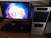pc mit Tastatur und Bildschirm
