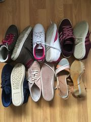 Getragene und abgelatschte Schuhe