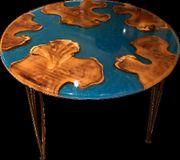 Runder Tisch aus Epoxidharz
