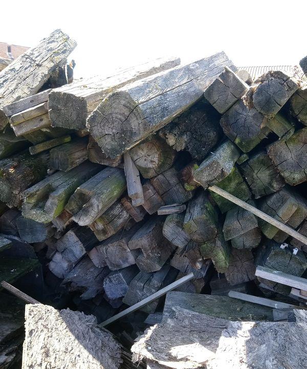 Abbruchholz Brennholz kostenlos