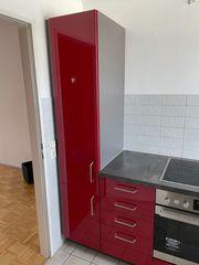 Einbauküche rot