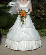 Romantisches Brautkleid Mode de Pol