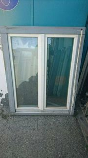 7 zweiflügige Holzfenster 107 cm