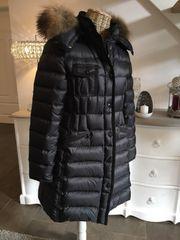 Moncler Damen Mantel Daunen schwarz