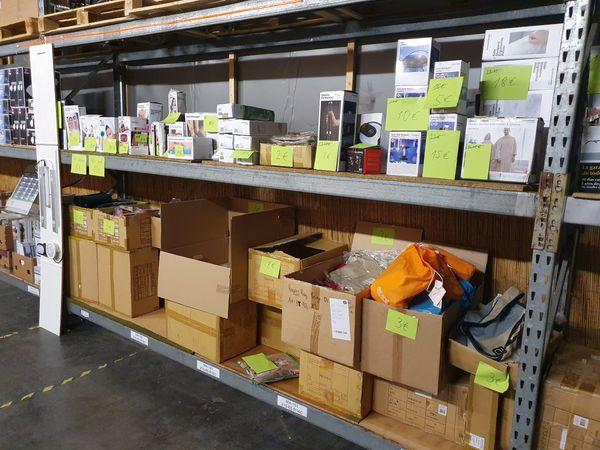 Lagerverkauf von Restposten Lagerware Versandrückläufern