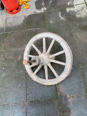 Wagenrad Holzrad mit Eisenbeschlag