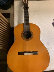 Yamaha Kindergitarre inkl Tasche Fußbank