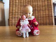Zwei kleine Schildkröt-Puppen