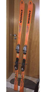 Ski mit Bindung und Skischuhe