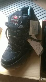 Schuhe von Levis