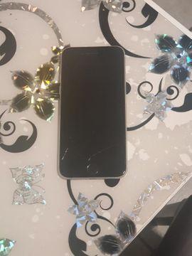 Iphone 7 32GB Risse am: Kleinanzeigen aus Marburg Kernstadt - Rubrik Apple iPhone