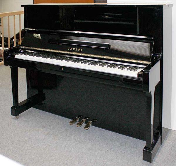 Klavier Yamaha U1 121 cm