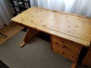 Schreibtisch aus Holz massiv höhenverstellbar