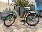Supercooles hellgrünes Fahrrad 24 Zoll