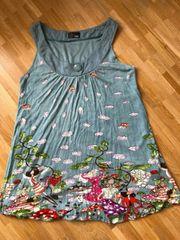 Yumi-Sommerkleid blau-grau mit farbigem Motiv