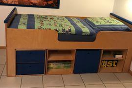 Kajütenbett Konrad JAKO-O Birke signalblau: Kleinanzeigen aus Hausen - Rubrik Betten