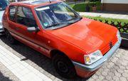 Peugeot 205 zum Ausschlachten