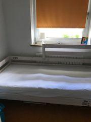 Kinderhochbett Mittelbett mit Rutsche