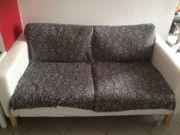 Weiße süße 2er Couch abzugeben