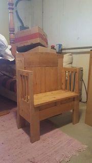 kleine antike Sitzbank