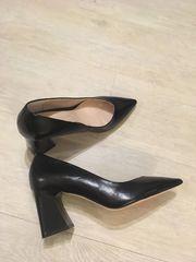 schwarze Damenschuhe von Zara neu