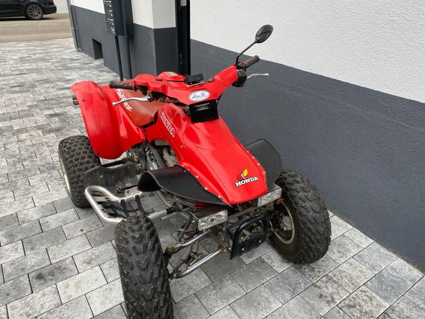 Quad TRX 300 mit Pkw