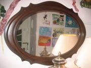 schöner alter Ovaler Spiegel
