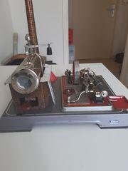 Schöne Wilesco D16 Dampfmaschine aus
