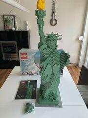 LEGO Sculptures - 3450 - Statue of