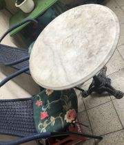 Marmor Tisch und zwei Stühle
