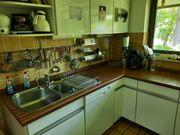 Gut erhaltene Einbauküche in Weiß