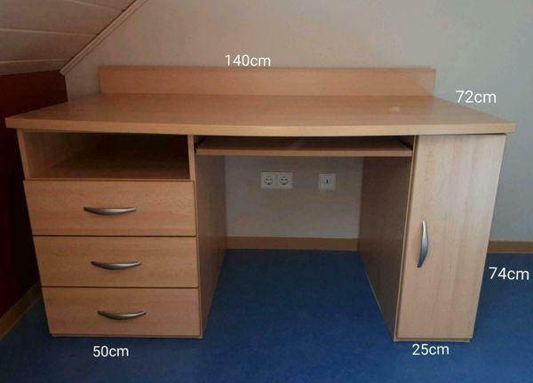 sehr gut erhaltener Schreibtisch mit