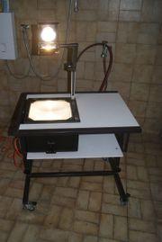 Overheadprojektor Tageslichtprojektor mit Tisch und