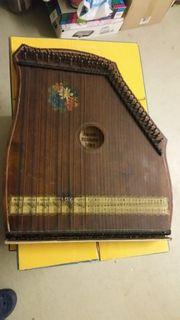 Musikinstrument alte Harfe Zitter