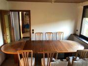 Ovaler-Ausziehbarer Holztisch und 6 Holzstühle