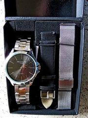 Tip Edelstahl-Marken-Armbanduhr mit 3 verschiedenen