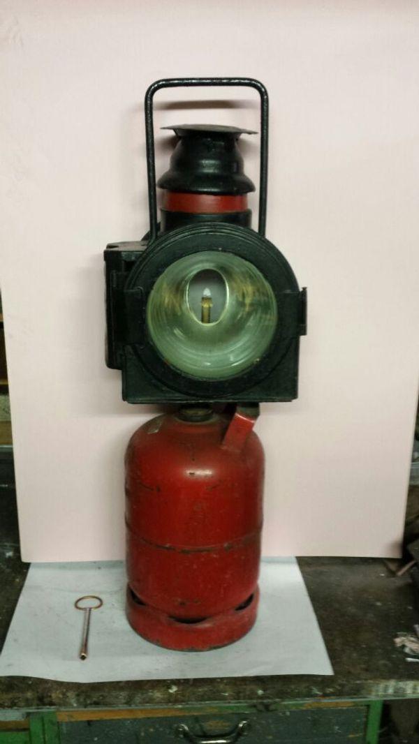 Lampe mit Gasflasche