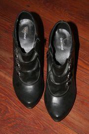 Biete getragene Schuhe und Unterwäsche