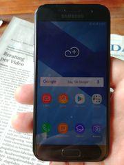 Samsung Galaxy A3 2017 --