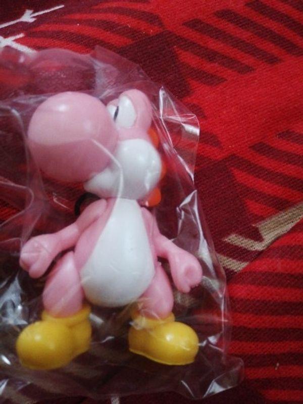 Pinke Yoshi Figur Neu eingeschweißt