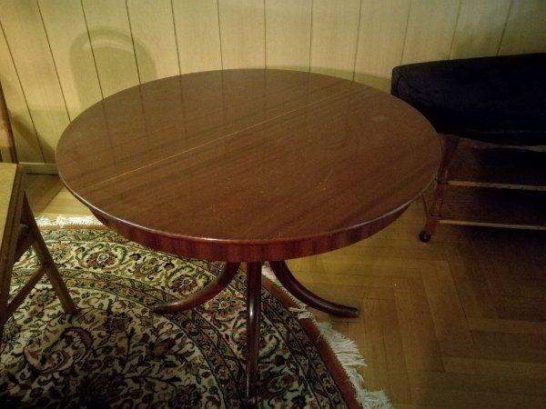 Schöner Massiver Ausziehbarere Tisch Günstig Zu Verkaufen Marcel
