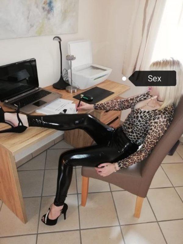 Fantasy mit Sekretärin