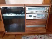 Stereoanlage mit Plattenspieler Cassettenrecorder und