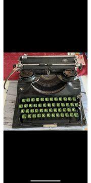Schreibmaschine von Goma