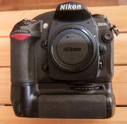 Nikon D200 incl MB-D200 und